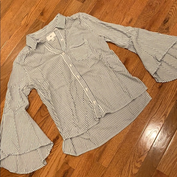 Urban Outfitters Tops - Button up shirt